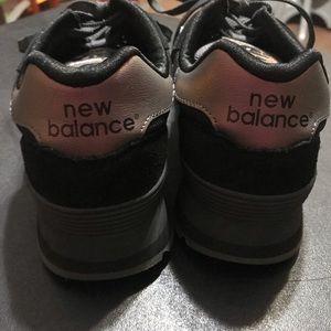 New Balance Shoes - Women's size 9 New Balance 515 black shoes